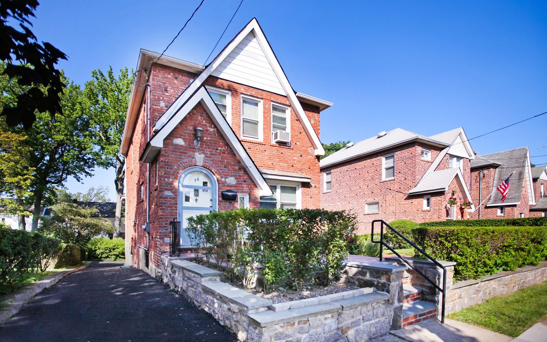 Homes For Sale By Tony Murphy Living In Yonkers And Woodlawn